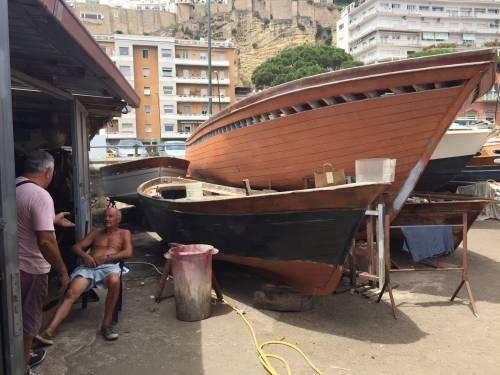 Napoli, il porto e il quartiere Mercato 15