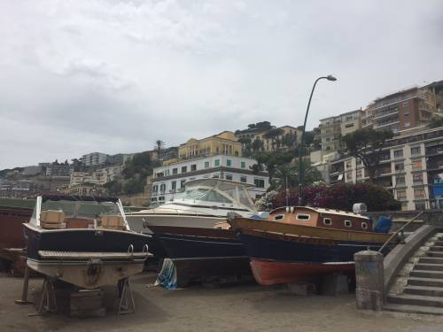 Napoli, il porto e il quartiere Mercato 16