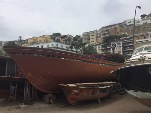 Napoli, il porto e il quartiere Mercato 17