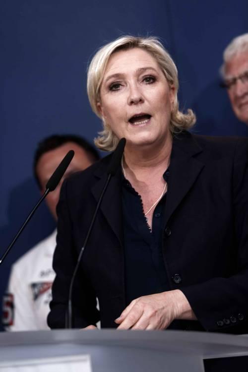 Sequestrati due milioni di euro al Rassemblement National (ex Front National). L'ira della Le Pen