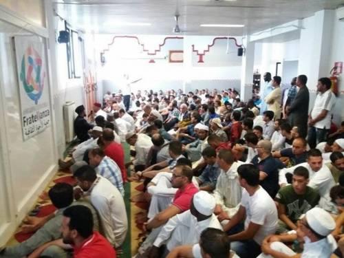 """Islam integralista, è scontro. E apre la sede la """"Fratellanza"""""""