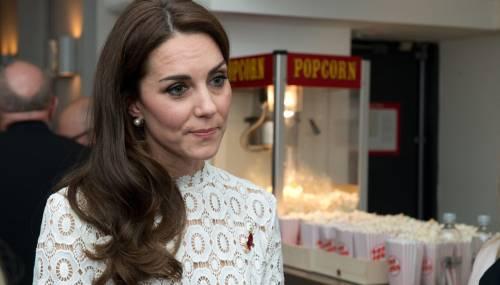Kate Middleton ed Elisabetta II, stili a confronto 12