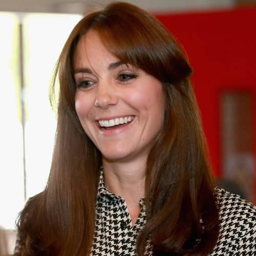 Kate Middleton ed Elisabetta II, stili a confronto 13
