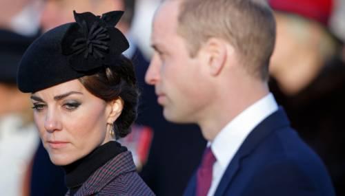 Kate Middleton ed Elisabetta II, stili a confronto 17