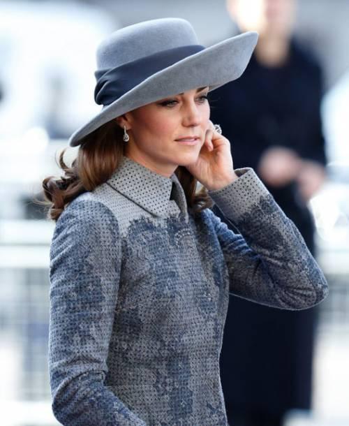 Kate Middleton ed Elisabetta II, stili a confronto 18