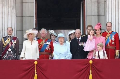 Kate Middleton ed Elisabetta II, stili a confronto 29