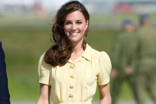 Kate Middleton ed Elisabetta II, stili a confronto 20