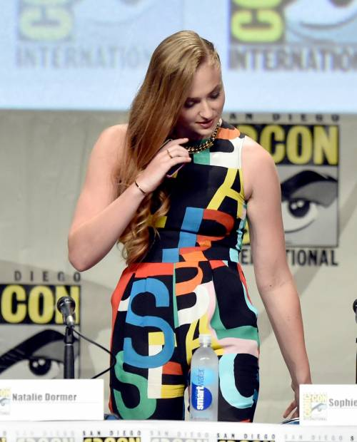 Sophie Turner, le foto sexy 24
