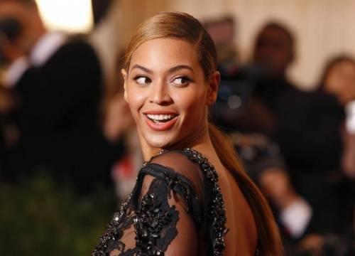 Beyoncé, sexy mamma curvy: foto 1