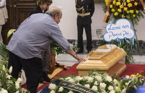 L'ultimo addio a Villaggio: oggi camera ardente e funerali laici