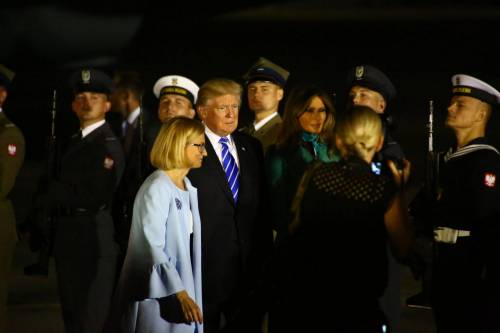 L'arrivo di Trump e Melania in Polonia 13