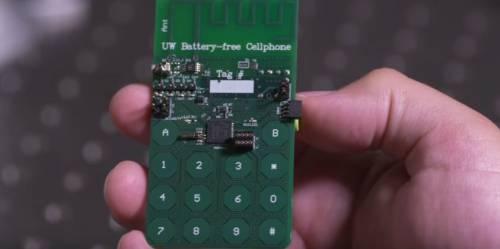 Arriva il primo telefono che funziona senza la batteria: prende l'energia dall'ambiente