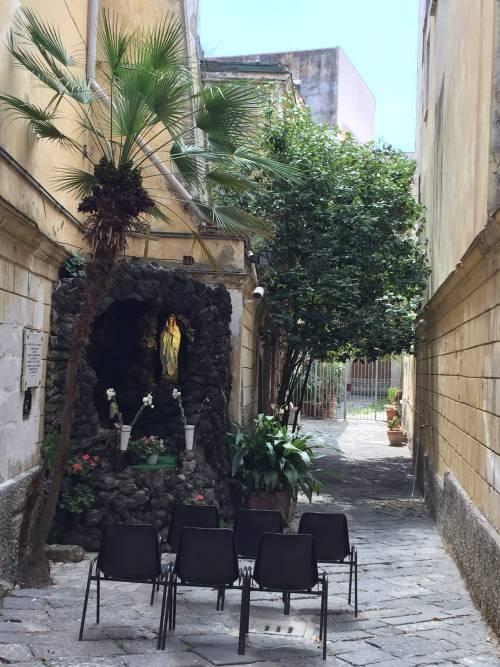 Napoli, il Pallonetto di Santa Lucia 19