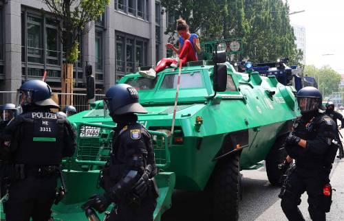 Chi fermava i tank per la Storia e chi per una foto
