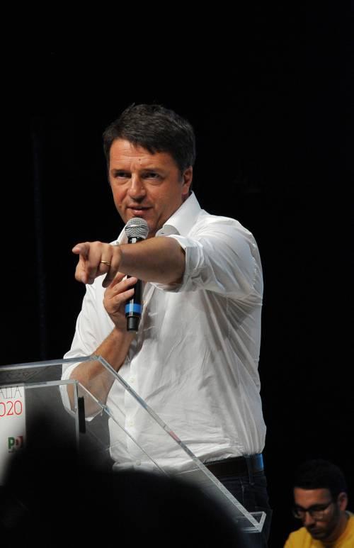 Licata, spunta un manifesto che prende in giro l'inglese di Matteo Renzi