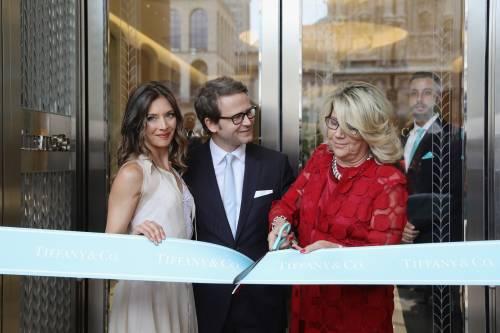 milano inaugurata la boutique di tiffany pi grande d 39 europa