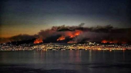 Gli incendi divampano sul Vesuvio 4