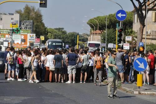 Protesta dei candidati a Roma 5