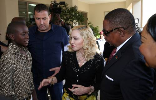 Madonna e Sharon Stone: sexy dive a confronto 5