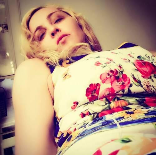 Madonna e Sharon Stone: sexy dive a confronto 13