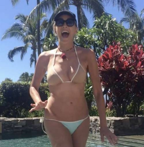 Madonna e Sharon Stone: sexy dive a confronto 18