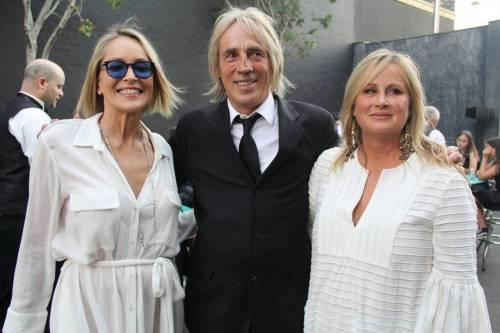 Madonna e Sharon Stone: sexy dive a confronto 24