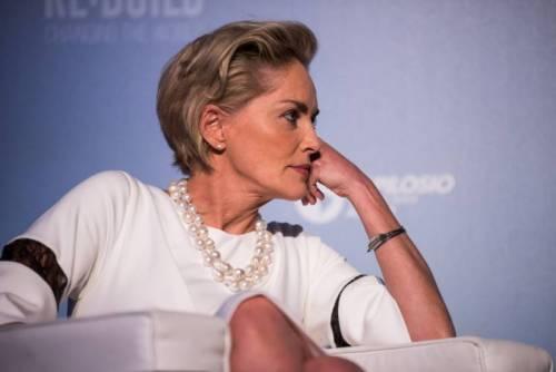 Madonna e Sharon Stone: sexy dive a confronto 27