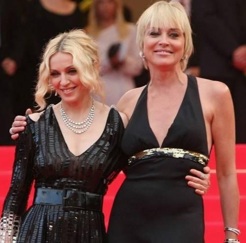 Madonna e Sharon Stone: sexy dive a confronto 30