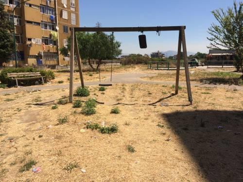 Quei bambini dimenticati dallo Stato: l'infanzia al Parco Verde di Caivano   5