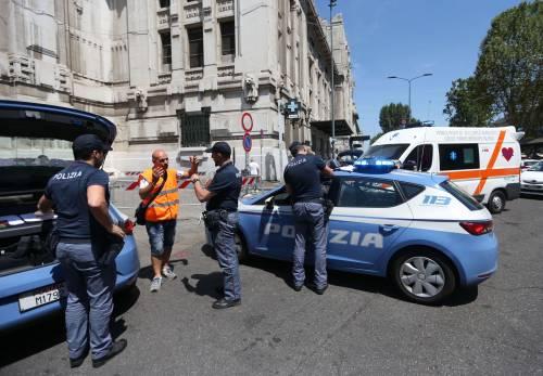 Milano, agente Polfer aggredito da migrante 18