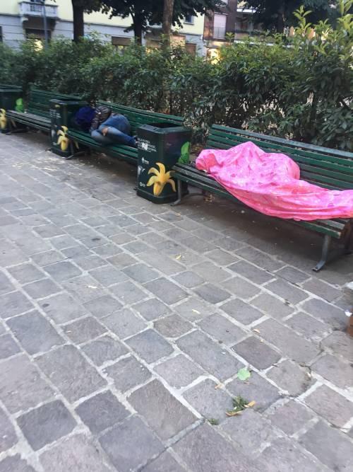 """Degrado, bivacchi e senzatetto: """"È il disastro dell'accoglienza"""" 4"""