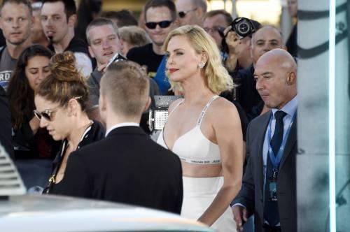 Charlize Theron sexy alla première di Atomic Blonde 6