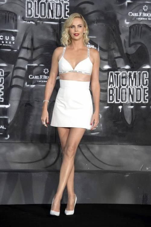 Charlize Theron sexy alla première di Atomic Blonde 7