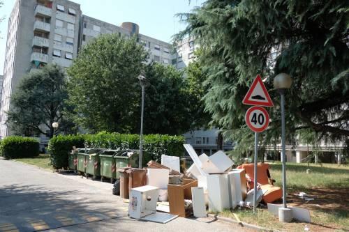Milano, viaggio nel fortino degli abusivi in via Salomone 3