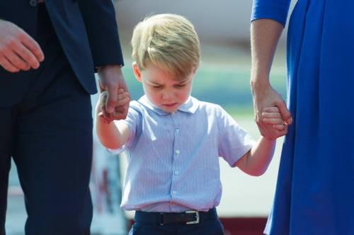 Tiare, guanti e cappellini: così si vestono i reali britannici 10