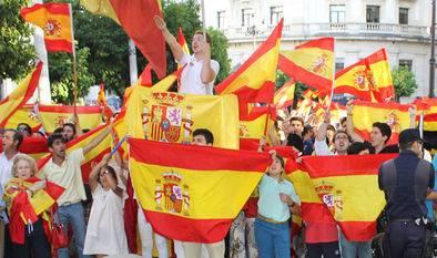 Spagna, multe fino a 150mila euro se canti un inno franchista