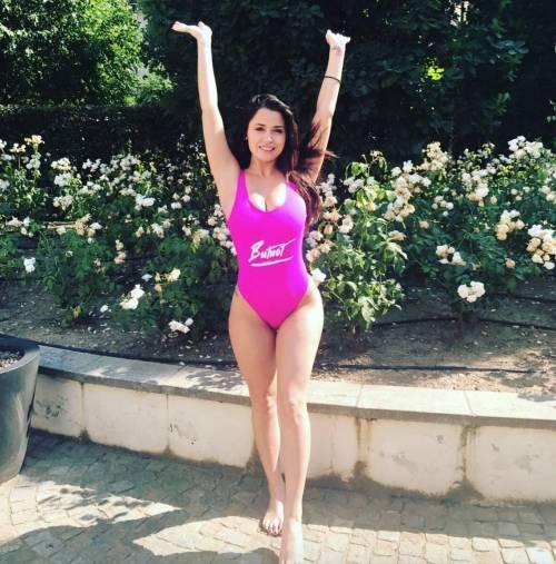 Alessia Magari hot, esplosiva in bikini 29