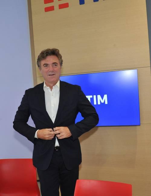 Scossone in Tim: si dimette l'ad Cattaneo