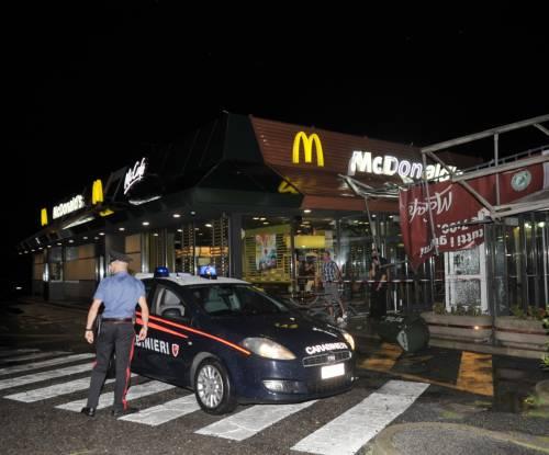 Crolla gazebo di McDonald's: un bimbo ferito