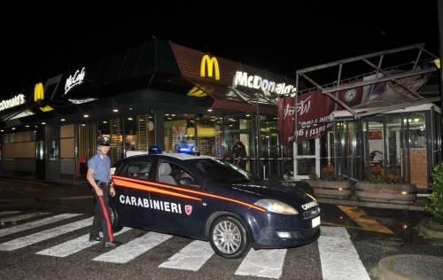 Crolla gazebo di McDonald's: un bimbo ferito 9