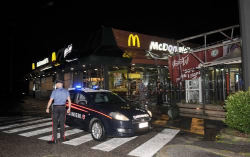 Crolla gazebo di McDonald's: un bimbo ferito 12