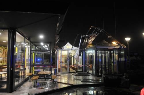 Crolla gazebo di McDonald's: un bimbo ferito 14