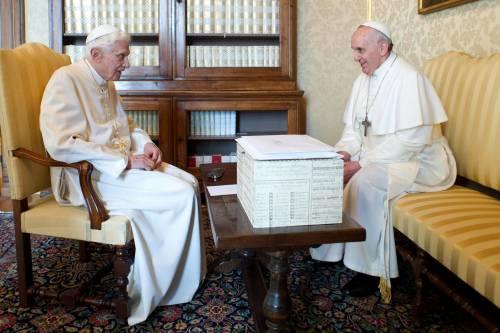 """Gesuiti contro """"l'opzione Benedetto"""". Ecco lo scontro dottrinale"""