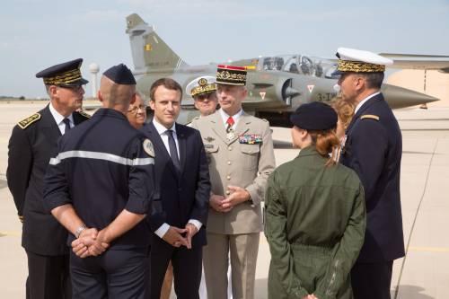 """Macron mette le mani sulla Libia. Forza Italia: """"È il fallimento di Gentiloni"""""""