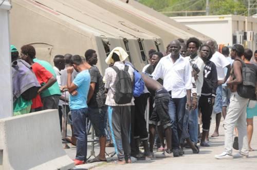 Ventimiglia in mano ai migranti: è caos 6