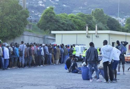 Ventimiglia in mano ai migranti: è caos 7