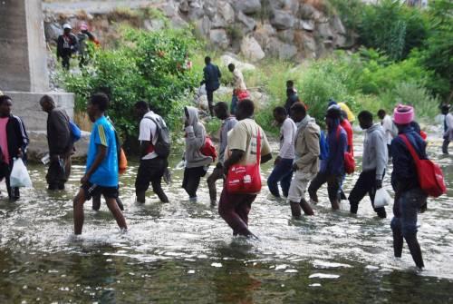 Ventimiglia in mano ai migranti: è caos 3