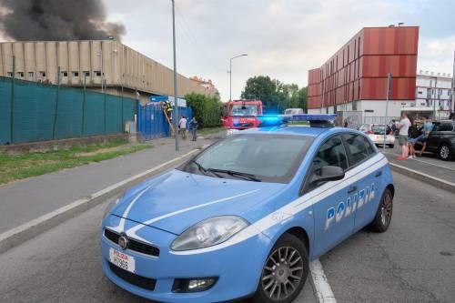 Milano, incendio in un deposito di rifiuti 5