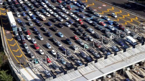 Esodo di Ferragosto, traffico intenso: le autostrade da evitare