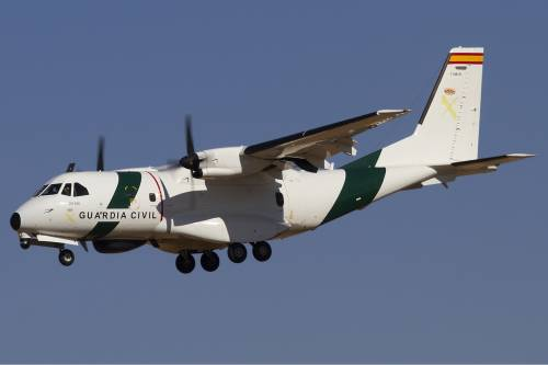A bordo degli aerei di Frontex, a caccia di trafficanti di uomini 8